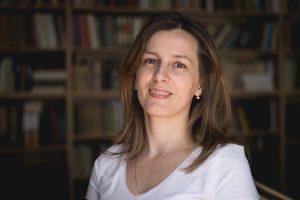 {:sr}др Мирјана Петровић-Савић{:}{:gb}Mirjana Petrović Savić, PhD{:}